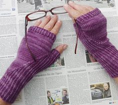 Hidden gusset mitts and gloves : Knitty First Fall 2014- free knitting pattern