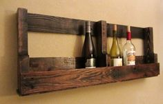 Old recycled pallet wine holder Pallet Wine Holders, Wood Pallet Wine Rack, Pallet Crates, Wooden Pallet Furniture, Pallet Shelves, Wooden Pallets, Pallet Storage, Pallet Benches, Pallet Cabinet