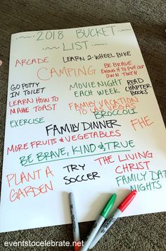 Family New Year's Eve Activities - Family New Years Eve Activities – last minute fun for the whole family! Family New Years Eve Acti - New Year's Eve Crafts, Holiday Crafts, Holiday Fun, New Years Eve Traditions, Holiday Traditions, New Year's Eve Activities, Family Activities, New Year's Eve Celebrations, New Year Celebration