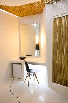 KLab Architecture, Cocoon Suites, Hotel Andronikos/ contemporary tadelakt, polished plaster design, cement floor with pebbles