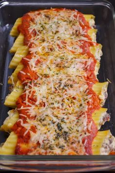 For the Love of Dessert: Italian Sausage Manicotti - This looks like a good cheat meal :) Italian Dishes, Italian Recipes, Italian Foods, Pasta Dishes, Food Dishes, Main Dishes, Manacotti Recipe, Pasta Pizza, Homemade Italian Sausage