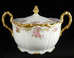 Limoges Antique Large Covered Sugar Bowl or Biscuit Jar Pink Roses Gold Cobalt, Sugar Bowls And Creamers, Punch Bowls, Cream And Sugar, Chocolate Pots, Tea Cup Saucer, China Porcelain, China Cabinet, Pink Roses