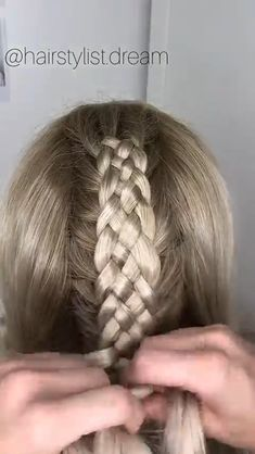 strand braid tutorial 15 strand braid 💕 It's not that hard as it might look. If you don't know how to do a 5 strand braid I would recommend to learn that first. Braided Hairstyles Tutorials, Messy Hairstyles, Unique Braided Hairstyles, Braid Tutorials, 5 Strand Braids, Short Hair Styles, Natural Hair Styles, Hair Upstyles, Braids For Long Hair