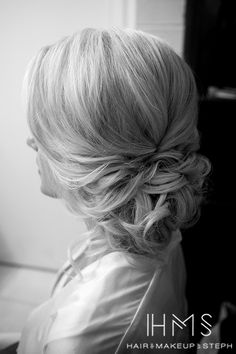 Loose wedding hair
