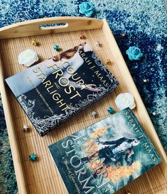#acotar #throneofglassseries #bookrecommendation #bookrecs #bookstagram #booklovers #bookstoread #flatlaystyle #flatlayphotography #sarahjmaas Reading Tree, Sarah J, Bookstagram, Frost, Novels, Author, Fiction, Romans