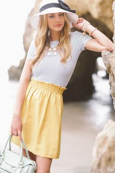elastic waist cornflower yellow skirt + hat w/ribbon tied bow + striped top Summer Chic, Spring Summer Fashion, Summer Wear, Skirt Outfits, Cute Outfits, Party Outfits, Summer Lookbook, Vogue, Trends