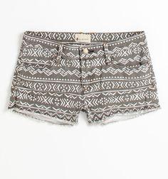 gray tribal shorts so cute Summer Outfits, Cute Outfits, Summer Shorts, Summer Clothes, Look Fashion, Womens Fashion, Fashion Outfits, Fashion Trends, Cute Shorts