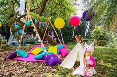 You need to see this party. Combining boho elements with a stunning woodland theme, this Boho Woodland Camping Party at Kara's Party Ideas is a must see! Camping Party Favors, Girl Camping Parties, Summer Camping Outfits, Macarons Rosa, Teepee Party, Tea Party Birthday, Fairy Birthday, Birthday Ideas, Woodland Party