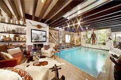 COOL HOME::SWIMMING POOL IN THE LIVING ROOM