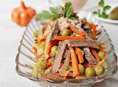 Салат из говядины с морковью — рецепт с фото на Русском, шаг за шагом. Сытный, вкусный, красивый салат с морковкой и говядиной непременно станет вашим любимым. #салат #еда #ужин #рецепт #рецепты Japchae, Beef, Ethnic Recipes, Food, Meat, Meal, Eten, Meals, Ox