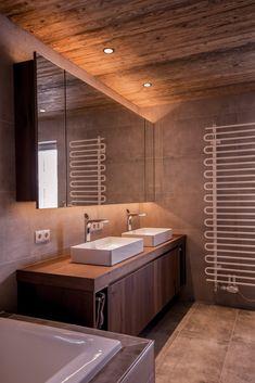 Gesamtkonzept Wohnung G. - Innenarchitektur by Kotrasch Corner Bathtub, Bathroom Lighting, Mirror, Furniture, Home Decor, Condo Interior Design, Carpentry, Bathing, Bathroom Light Fittings