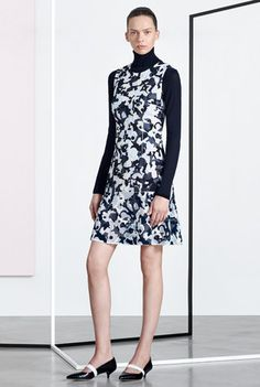 See the complete Boss Pre-Fall 2016 collection.