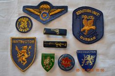 South African Police Service - badge collection Green Beret, Military Police, Africans, Law Enforcement, Porsche Logo, Badges, Soldiers, South Africa, Aviation