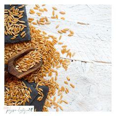 Cultivé dans la région de Khorasan en Iran, c'est un blé ancien, qui contrairement au blé moderne n'a pas été génétiquement modifié. Iran, Healthy Lifestyle, Board, Modern