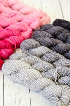 The Jade Sapphire Mini Ombre Collection Kit offers up a gentle ombre in soft, Mongolian Cashmere. Ombre Yarn, Yarn Braids, Yarn Cake, Yarn Stash, Colour Inspiration, Yarn Projects, Ribbon Colors, Hand Dyed Yarn, So Little Time