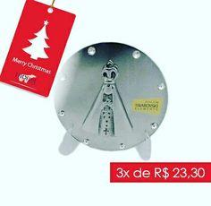 Medalha de Nossa Senhora Aparecida com cristais. Linda opção para apaixonados pela 'Padroeira do Brasil'! Para comprar, acesse:  www.diorsidecor.com.br WhatsApp (12) 9 9715 2022