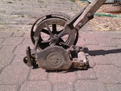Secrest mechanical grass edger, patent date june 30, 1908....does anyone know amything about these?