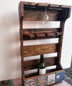 Outono Inverno primavera e verão. .. pra quem gosta não importa a época então se presenteie com este Bar/Adega de palete e tenha um lugar especial para guardar suas degustações!!! #bar #adega #palete #sustentável #decorativo #madeira #madeirausada #arte #reutilização #reciclagem #reaproveitamento #sustentabilidade #atelieramosemello #minibar by atelieramosemello http://ift.tt/1TEB3IX