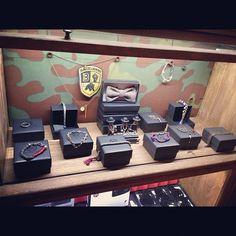 wv showcase @ backdoor bologna Shop Windows, Bologna, Suitcase, Shopping, Store Windows, Briefcase