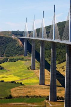Millau Viaduct (cable-stayed bridge, L Norman Foster. near Millau in southern France. Places To Travel, Places To See, Places Around The World, Around The Worlds, Beautiful World, Beautiful Places, Love Bridge, Belle France, Futuristic Architecture