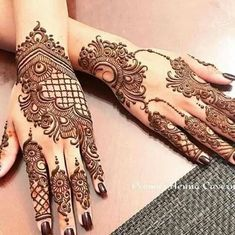 Mehndi design is one of the most authentic arts for girls. The ladies who want to decorate their hands with the best mehndi designs.Check the latest mehndi designs 2019 simple and easy for hands, we have collected the most beautiful and decent henna Henna Hand Designs, Mehndi Designs Finger, Indian Henna Designs, Mehndi Designs Book, Legs Mehndi Design, Mehndi Designs For Girls, Modern Mehndi Designs, Mehndi Design Photos, Mehndi Designs For Fingers