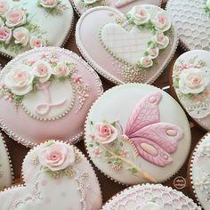 Find Some Good Ideas For Bridal Shower C - Food Drink - Marecipe Elegant Cookies, Fancy Cookies, Cute Cookies, Royal Icing Cookies, Cupcake Cookies, Sugar Cookies, Iced Biscuits, Cookies Et Biscuits, Cookies Decorados