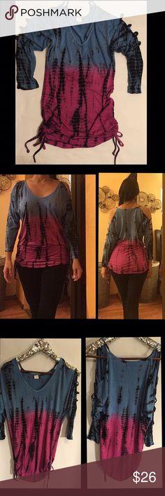 Venus Top Tie dye cut out sleeve top. Adjustable ties in side hem. Size XS. VENUS Tops