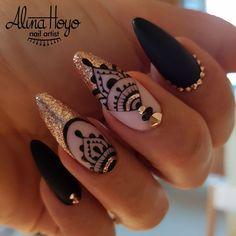 665 Likes, 8 Comments – Alina Hoyo Nail Artist ( – Nails Gel Manicure, Diy Nails, Cute Nails, Pretty Nails, Mandala Nails, Modern Nails, Nagel Gel, Flower Nails, Gorgeous Nails