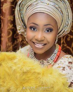 Morning Freshness! Portrait of @mzdebcie on her trad. #tgif  MUA:  @skyebeauty1 Photo by @johnfamous_photography Fabrics:  @shukkyfabrics   @shadiat_alasooke ___________________________________ #gidiweddings #bellanaijaweddings #yorubawedding #traditionalbride #traditionallook #nigerianwedding #nigeriaweddinggallery #johnfamousexperience #johnfamousphotography #johnfamousweddings