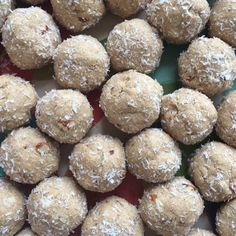 #protein packed #blissballs 2 cups vanilla protein powder, 1 cup almond meal, 1 cup desiccated coconut, 1 cup tahini, 1/2 cup peanut butter & 1/2 cup maple syrup/honey, rolled in coconut. Yum! 😋