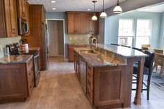 traditional-kitchen-dining-design-recessed-panel-cabinets-3