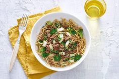Amazing Aziatisch met noedels, paksoi en hoisinsaus - Recept - Allerhande