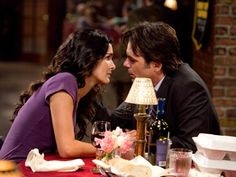 Jane Rizzoli (Angie Harmon) and Gabriel Dean (Billy Burke) on Rizzoli and Isles. They were so cute on the show :') married in the books. Jordan Bridges, Lorraine Bracco, Colin Egglesfield, Billy Burke, Maura Isles, Angie Harmon, Movie Couples, What Book, Hair Blog