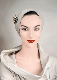 Victoria Von Hagen, 1952. Photo: Erwin Blumenfeld. - Severe on the model but a good example of makeup style.