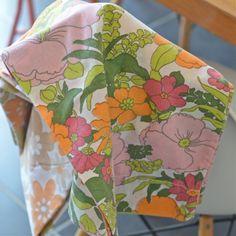 taie traversin fleurs exotiques vintage  - deco-graphic.com