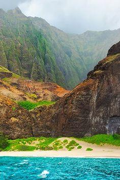 Kauai-The 17 Most Photogenic Vacation Spots on the Planet via @PureWow