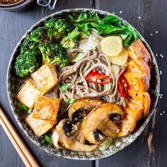We're on a #noodle kick here lately, plus it's been rather cold so #ontheblog today (link in profile) a bowl of comforting #ramen  soooo good...slurp and sooo good for you too...slurp  #vegan + #glutenfree