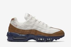 Nike Air Max 95 Premium Men's Shoe: Ale Brown/Midnight Navy/Sail/Pearl Pink