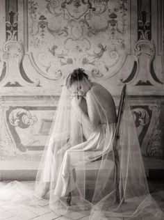 Vintage Wedding Veils - Once Wed Vintage Wedding Photography, Wedding Photography Styles, Boudoir Photography, Photography Portraits, Wedding Boudoir, Wedding Poses, Wedding Hair, Wedding Bride, Marchesa Gowns