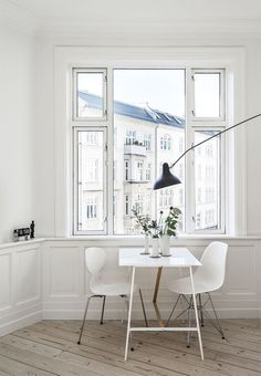 Dining room furniture ideas that are going to be one of the best dining room design sets of the year! Get inspired by these dining room lighting and furniture ideas! Home Decor Inspiration, Kitchen Design Small, Interior, Dining Room Small, Minimalist Room, Home, Dining Room Design, House Interior, Interior Design