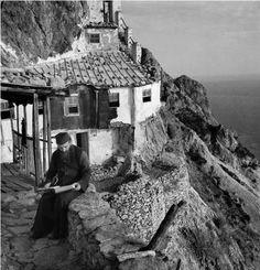 Orthodox Christianity, Athens Greece, Christen, Kirchen, Solitude, Christian Quotes, Mount Rushmore, Faith, Mountains