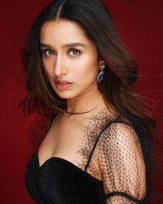 Cinema Actress, Indian Film Actress, Beautiful Indian Actress, Indian Actresses, Bollywood Celebrities, Bollywood Actress, Bollywood Heroine, Bollywood Fashion, Shraddha Kapoor Cute