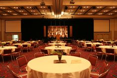 The Oregon Ballroom can be divided into 4 different sections. The Oregon Ballroom can fit up to 1,530 people in a meal setting.