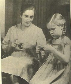 Elizabeth Zimmerman in 1949 with her daughter Meg (later Swansen)      Elizabeth Zimmermann was a British-born knitter known for revolutionizing the modern practice of knitting through her books and instructional series on American public television