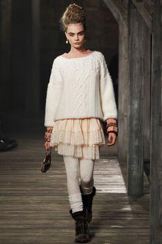 DÉFILÉS PRÉ-COLLECTIONS   AUTOMNE-HIVER 2013-2014  Chanel, Vogue.fr. // a girly winter!!!