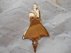 Bold Hand Made Stylish 40s Brooch of an American Lady