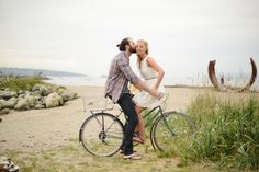 Beach Engagement Photography  - PHOTO SOURCE • JANELLE PHOTOGRAPHY | Featured on WedLoft