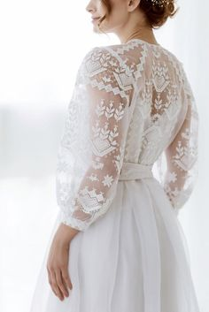 love these lace sleeves Beautiful Dresses, Nice Dresses, Flower Girl Dresses, Dream Wedding Dresses, Wedding Gowns, Kaftan Gown, Ukrainian Dress, Lace Dress, White Dress