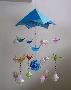Crane Mobile With Hood / Origami Mobile Crane Mobile, Mobile Craft, Origami Mobile, Clouds Pattern, Golden Color, Origami Paper, Chinese New Year, Deco, Japanese Art