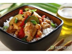 Orientalny kurczak z ciecierzycą i warzywami po indyjsku